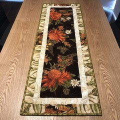 Under the Australian Sun table runner