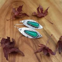 marlborough chrysoprase silver dangle drop earrings
