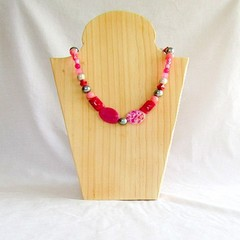 A summer necklace for lazy casual evenings out.