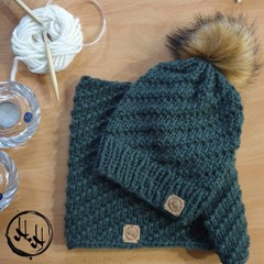 Århus Hand Knit Chunky Beanie & Snood/Cowl Set - Womens Beanies, Girls Beanies,