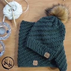 Århus Hand Knit Chunky Beanie & Snood/Cowl Set - Womens Beanies, Girls Beanies,