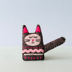 Embroidered felt cat brooch, sleepy black cat, animal pin, handmade tabby kitten