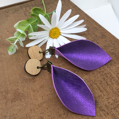 Shimmery violet Leather earrings