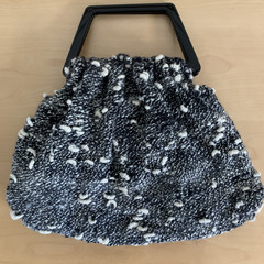 Knitted soft wool handbag vintage-style; fully lined
