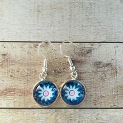 12mm glass Daisy cabochon earrings