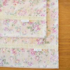 2x Matching Cotton Pillow Cases - Vintage Floral
