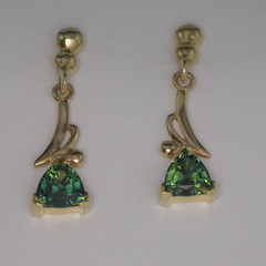 14ct Solid Yellow Gold Sapphire Earrings