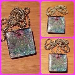 "FREEPOSTAGE ""GLITTER GALAXY"" Resin Pendant with Solid Brass Ball Chain Necklace"