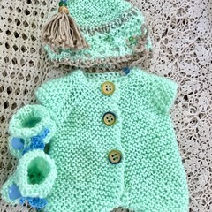 Handknitted 3 peice baby set