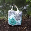 BANANA LEAF/CHEVRON  REVERSIBLE TOTE/OUTDOOR FABRIC