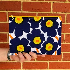 Clutch - mini unikko yellow zip