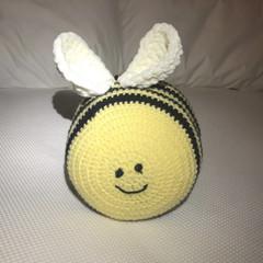 Stuffed bee soft toy