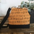 Sml/Long Kiss Lock Handbag - Mustard & Black Dash/Black Base