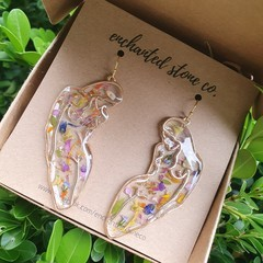 Gold Botanical Resin Earrings - Blossoming Beauty