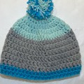 Adult beanie with pom-pom
