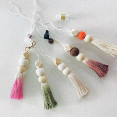 Tassel diffuser for rear view car mirror (and elsewhere!)