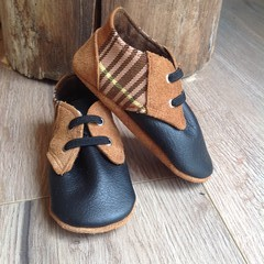 Leather soft soled baby/toddler shoes