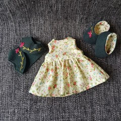 Treehouse Doll's Clothes