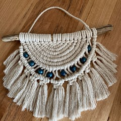 Semi circle (blue beads)