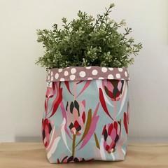 Large fabric planter | Storage basket | Pot cover | MINT PROTEA