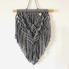 Macrame wall hanging (deep grey)