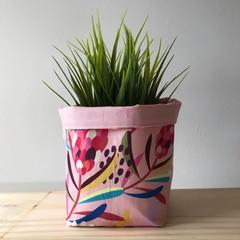 Small fabric planter | Storage basket | Pot cover | PINK PROTEA