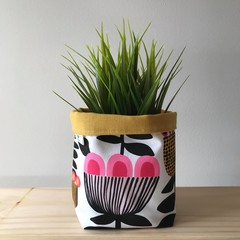Small fabric planter | Storage basket | Pot cover | RETRO FLOWERS