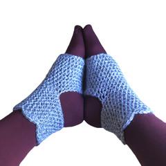 Super comfy yoga socks to keep your feet warm during  yoga, pilates or dance