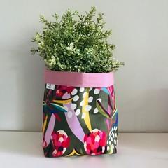 Large fabric planter | Storage basket | Pot cover | OLIVE PROTEA