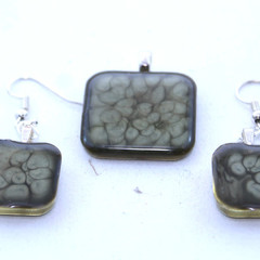 Black  Pendant Set  with Cell Pattern