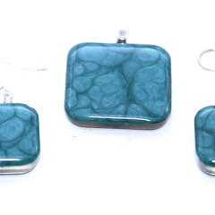 Blue  Pendant Set  with Cell Pattern
