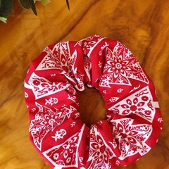 "Christmas Scrunchy "" Scandi Tree"""
