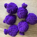 Reusable knitted water balloons