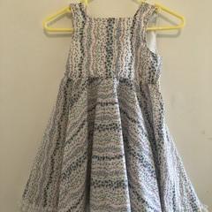 Flower dress Size 4 Very light dress with lace on the hem.
