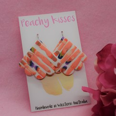 Peachy Pieces - Large scallop hook