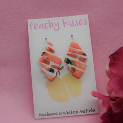 Peachy Pieces - Geometric hook