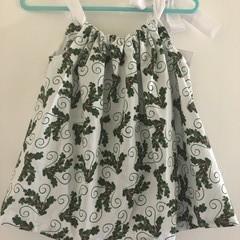 Holly dress Size 2. Adjustable straps.