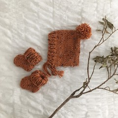 ginger fleck chunky wool bonnet + booties