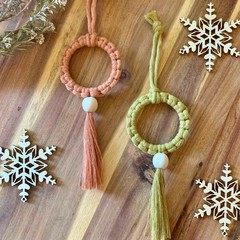 Mini macrame Christmas wreath ornament