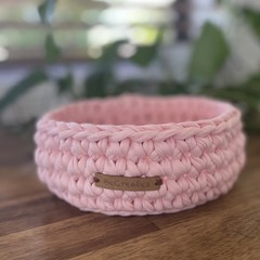 Dusty Pink-Crochet Basket/Tray- Mid/Medium size-home decor-recycled tshirt yarn