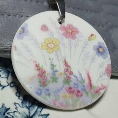 Colclough Dainty Flowergarden Pendant