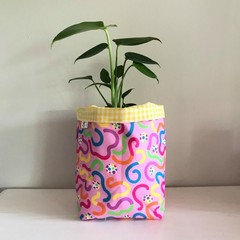 Large fabric planter | Storage basket | Pot cover | SQUIGGLES