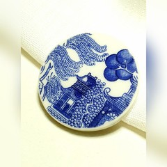 Blue Willow Brooch