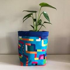 Large fabric planter | Storage basket | Pot cover | BRIGHT LINES