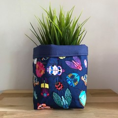 Small fabric planter | Storage basket | Pot cover | BUGS & NAVY