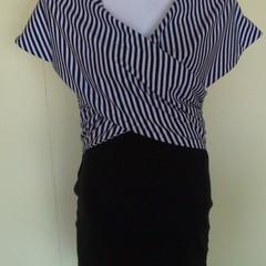 Shawl collar sleeveless top