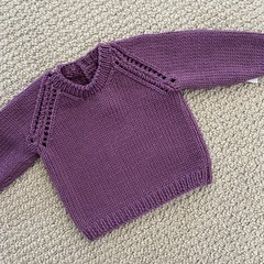 Pink/purple Jumper - Size 3-6 month - Hand knitted