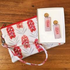 Bottlebrush Earring & Wristlet Gift Set