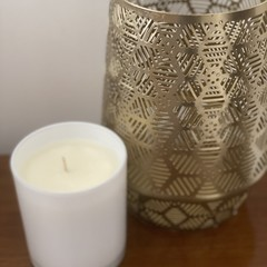 Medium Candle with lid