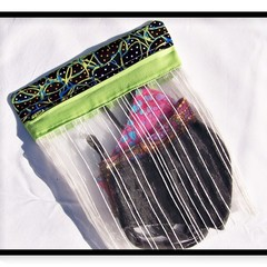 Roots and Seeds Face Mask Wash Bag